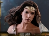 hot-toys-jl-wonder-woman-deluxe-002
