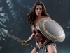 hot-toys-jl-wonder-woman-deluxe-010