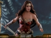 hot-toys-jl-wonder-woman-deluxe-022