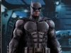 hot-toys-justice-league-tactical-suit-batman-001