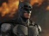 hot-toys-justice-league-tactical-suit-batman-005