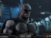 hot-toys-justice-league-tactical-suit-batman-023