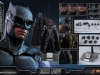 hot-toys-justice-league-tactical-suit-batman-026