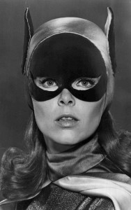 Yvonne Craig jako Batgirl
