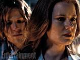 Jesse-Eisenberg-and-Amy-Adams-000220458