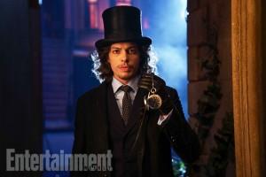 Benedict Samuel jako Mad Hatter