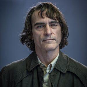 """Joaquin Phoenix jako Arthur Fleck w """"Jokerze"""""""