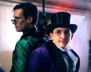 """Na planie """"Gotham"""": Pingwin i Riddler w kostiumach jak z komiksów"""