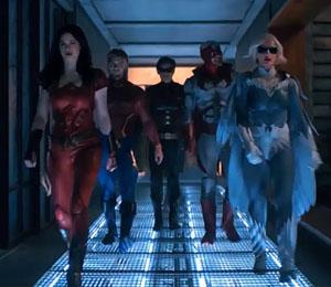 """Bruce Wayne, Deathstroke i wiele więcej w zwiastunie 2. sezonu """"Titans"""""""