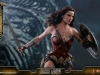 hot-toys-jl-wonder-woman-010