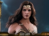 hot-toys-jl-wonder-woman-deluxe-024