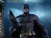 hot-toys-justice-league-batman-collectible-figure-deluxe_pr2