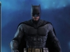hot-toys-justice-league-batman-collectible-figure_pr2