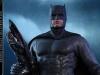 hot-toys-justice-league-batman-collectible-figure_pr4