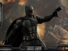 hot-toys-justice-league-tactical-suit-batman-004