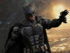 hot-toys-justice-league-tactical-suit-batman-006