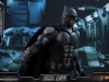 hot-toys-justice-league-tactical-suit-batman-013