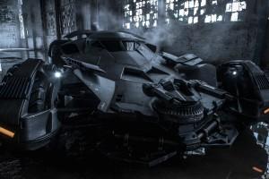 "Batmobile z ""Batman v Superman: Dawn of Justice"""